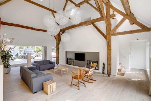 Multiplankenvloer in kamer woonboerderij